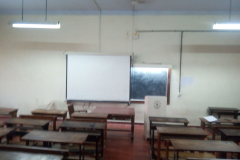 Classroom with LCD projector3
