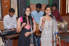 STUDENTS-PERFORMING-SHARAD-VANANDA-AND-WELCOME-SONG-DURING-CONVOCATION-CEREMONY